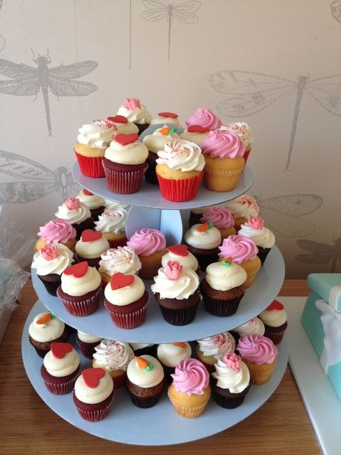 Pretty cupcakes at a Tea Party #teaparty #cupcakes
