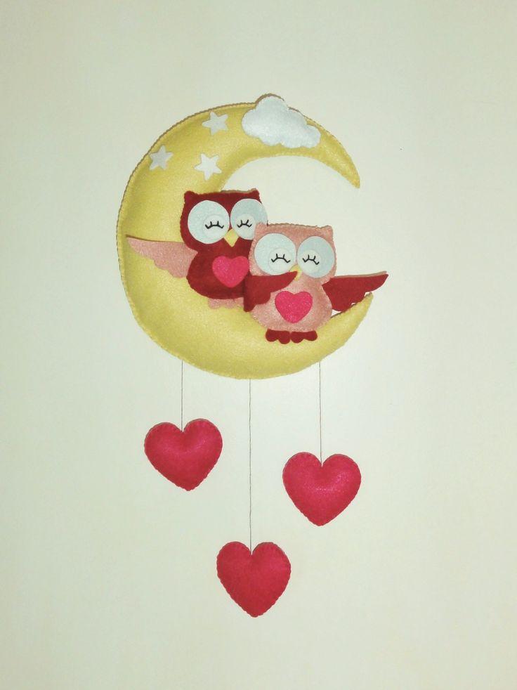 """Mobile décoration ou plaque de porte pour chambre enfant. Hibou et chouette """" L'amour sur la lune """" : Jeux, peluches, doudous par pack-et-cadeau"""