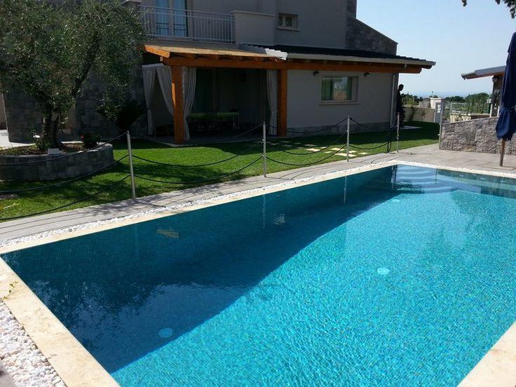 Oltre 25 fantastiche idee su mosaico in pietra su for Pavimentazione della piscina