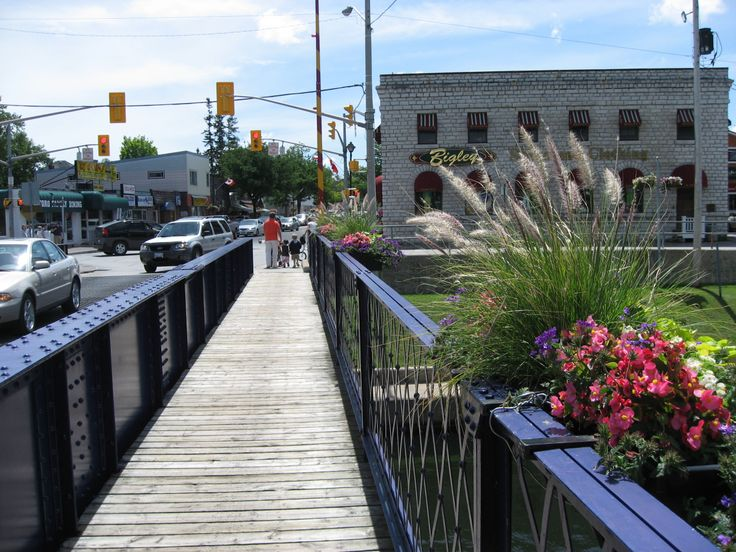 Always great #shopping at #Bigley's Shoes & Clothing. Located in Bobcaygeon Lock 32 of the Trent Severn Waterway.