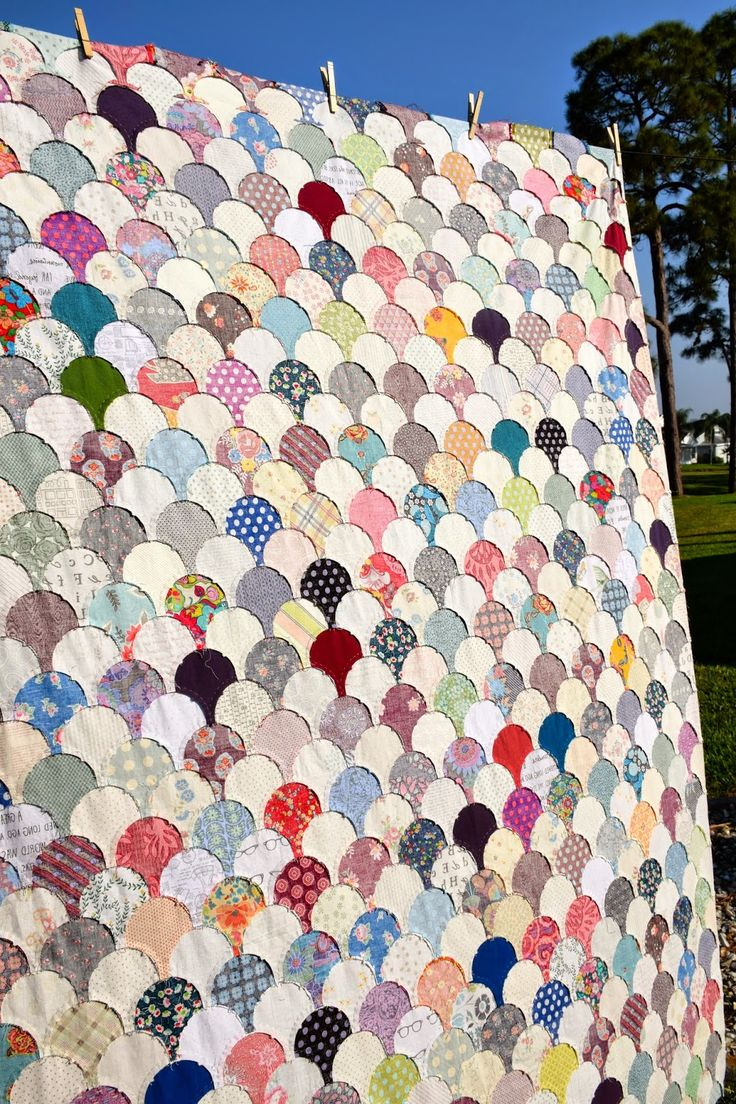Maryse Makes Things: Clamshell Quilt Top {finished}