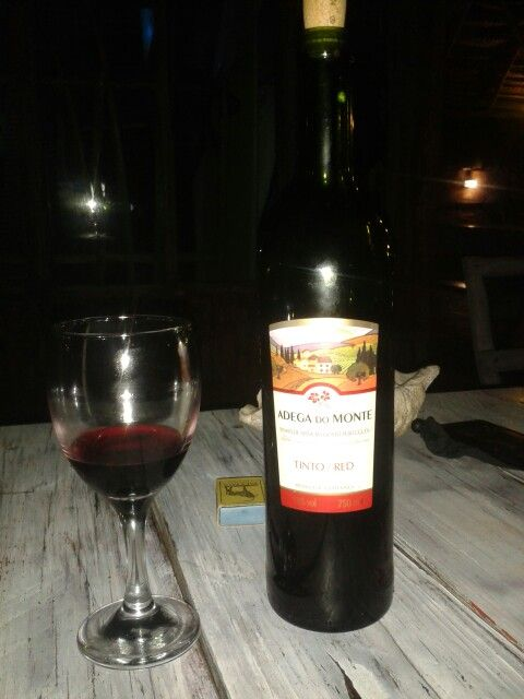 Night time, is time for some Tinto (Red) wine and just chill @ Neptune's Bar