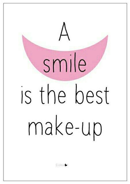 O sorriso é a melhor maquiagem. (: