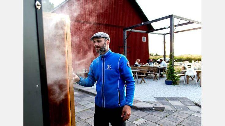 Genom jaktintresset föddes även Erik Berghs intresse för matlagning – och i sin tur rökning av mat. | Bild: Adam Ihse