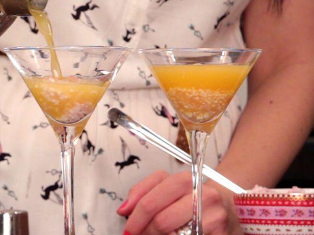 Aprenda a fazer o Bolinha de Sabão, um drink super saboroso e divertido. Toda a família pode aproveitar!