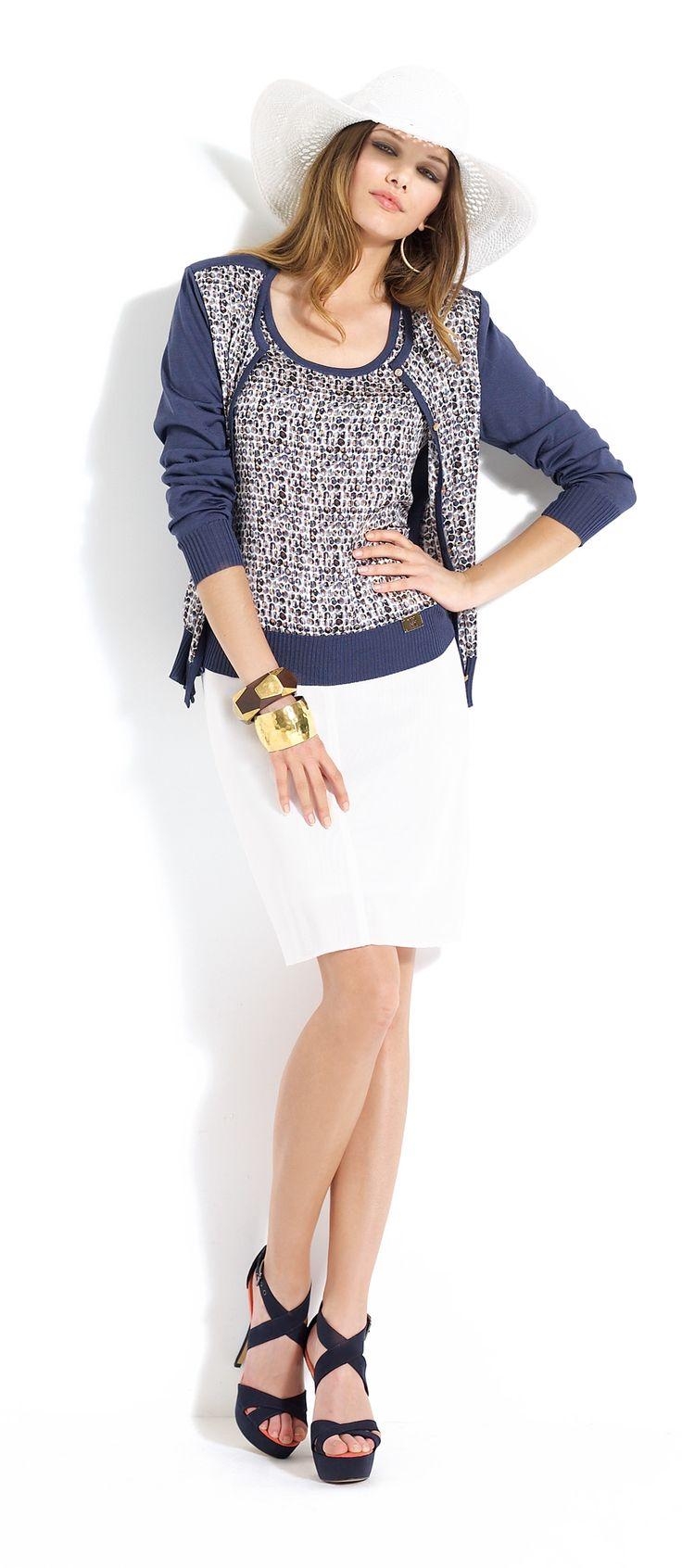 Falda blanca con jersey y rebeca a juego #skirt #white #cardigan