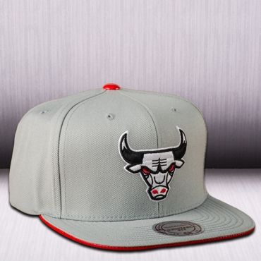 Mitchell & Ness NBA Chicago Bulls Katrina 3 POP Color Strapback Cap