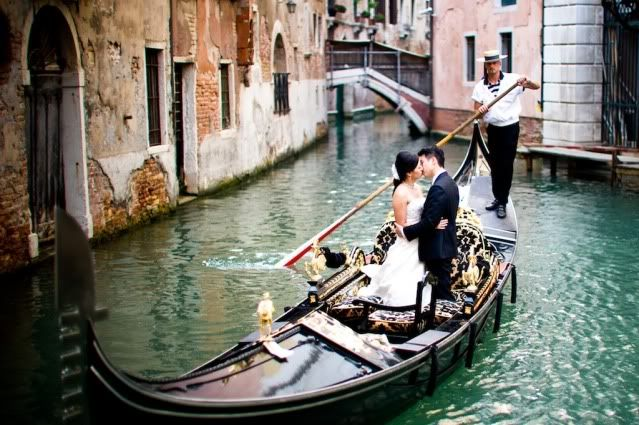 For people who like different and unique wedding, this town in Italy are one of the most beautiful places for romantic wedding. Town of Romeo and Juliet, on a beautiful gondola will make your wedding day so perfect. There is no other place in Europe that can match with this romantic atmosphere and aura for newlyweds.