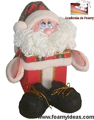 Santa Claus box for candy or gifts. Made from EVA foam. Caja navideña con Papá Noel fofucho para empacar dulces o sorpresas, regalos etc. Hecho de foamy. http://www.foamyideas.com/proyectos/proyecto-p6-caja-papa-noel-fofucho (Videotutorial)