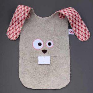 Maxi bavoir Lapin - LaBavette. Aussi pratique que joli, ce malicieux bavoir protégera les vêtements des enfants à partir de 6 mois. Motif lapin. Très pratique, très protecteur. Il descend sur les genoux ou peut se glisser sous l'assiette pour une protection optimale. Finitions soignées Vendu dans une boîte, un cadeau idéal, original, beau et si utile ! http://www.lilooka.com/fr/bavoir-labavette/1101-maxi-bavoir-lapin-labavette.html