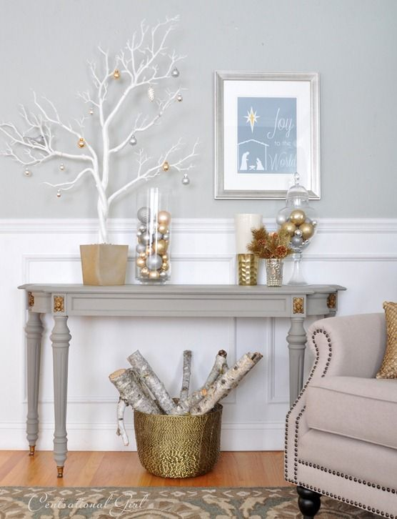 Chalk Paint® decorative paint by Annie Sloan in French Linen on console | Via Centsational Girl.