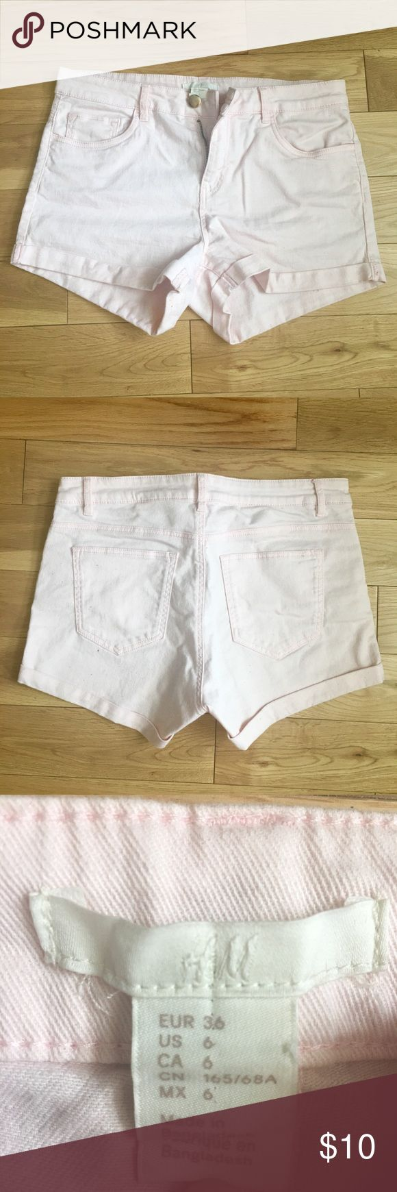 Light Pink Shorts Light Pink Shorts from H&M. Worn a couple of times but still in good condition. 😁 H&M Shorts Jean Shorts
