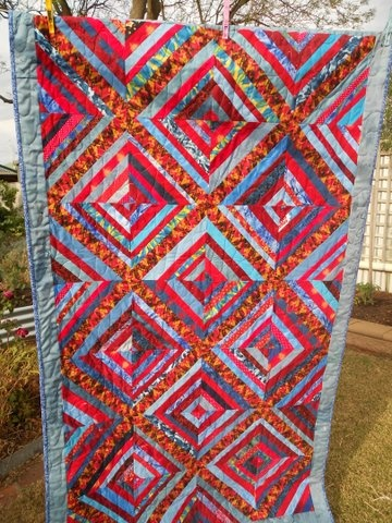 string quilt from Aussie Hero Quilts : love the color!!