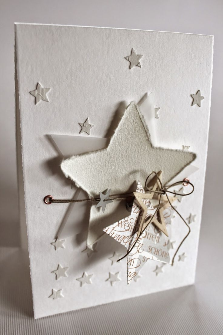 ...ein bisschen von allem...     Strukturpaste   Büttenpapier   Vellum   Weihnachtspapier aus der Erlebniswelt   Stern aus Holzfurnier     ...