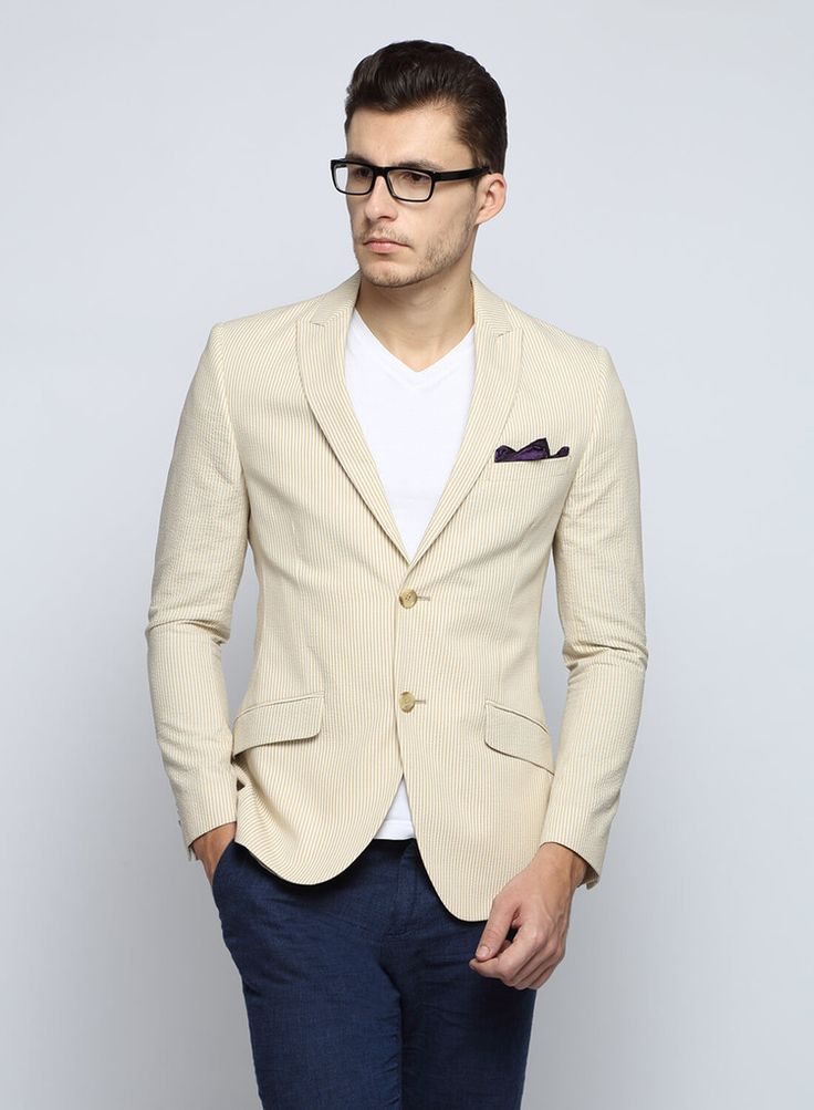 Wondered why blazers are the eternal saviour when it comes to men's fashion? Read more on blazers and how to wear them on our blog! http://www.suitlimited.com/blogs/menswear/113355589-the-blazer-guide-to-any-occasion