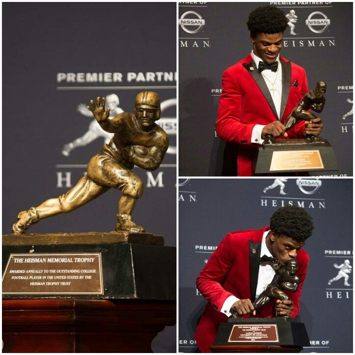 Lamar with Heisman Trophy