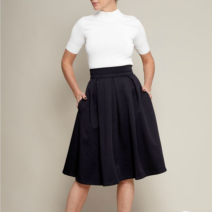Just patterns pleated skirt