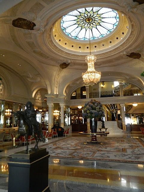 Lobby of Hotel de Paris, Monaco. grand-hotels: Hotels Europe, Hotels Bar, Coupole, Hotels De Paris Monaco, Grand Hotels, Luxury Hotels Lobbies, Parisians Decor, Paris France, Hotels Châteaux Castles