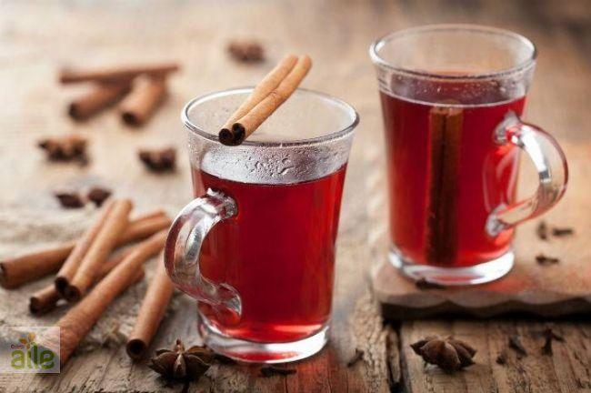 Glögg tarifi... Vücudunuzu soğuktan koruyacak, sıcacık ve lezzetli bir içecek tarifi... http://www.hurriyetaile.com/yemek-tarifleri/alkollu-alkolsuz-icecek-tarifleri/glogg-tarifi_1947.html