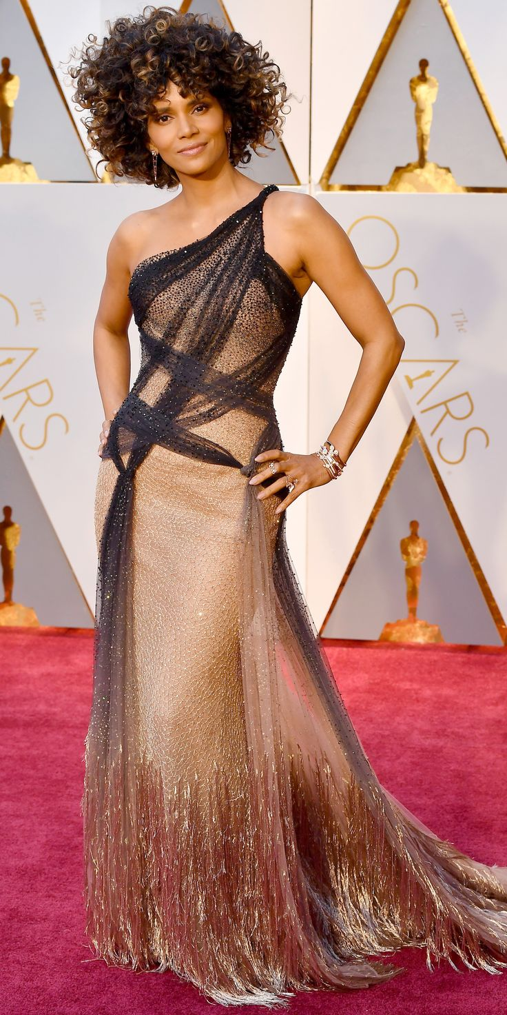 Halle Berry in Versace and Forevermark Diamonds. 2017 Academy Awards Red Carpet - Halle Berry from InStyle.com