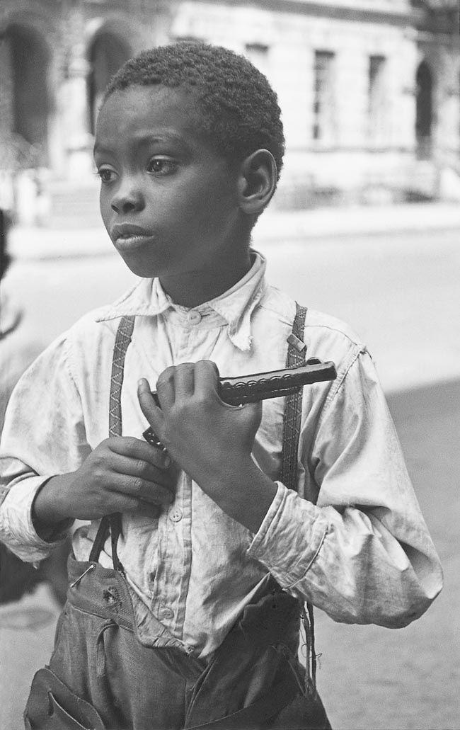 #truenewyork #lovenyc  Helen Levitt NYC 1939
