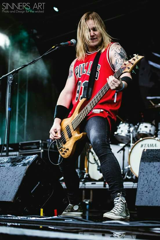 SAREA live at Metallsvenskan 2015. Photo by www.Sinnersart.se