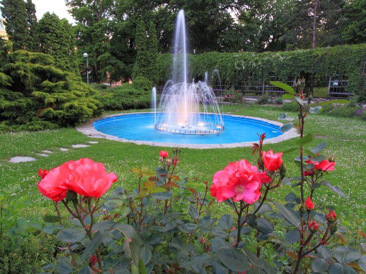 fountains & water gardens