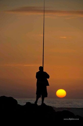 Fishing on the rocks Buffels Bay beach #knysna #gardenroute