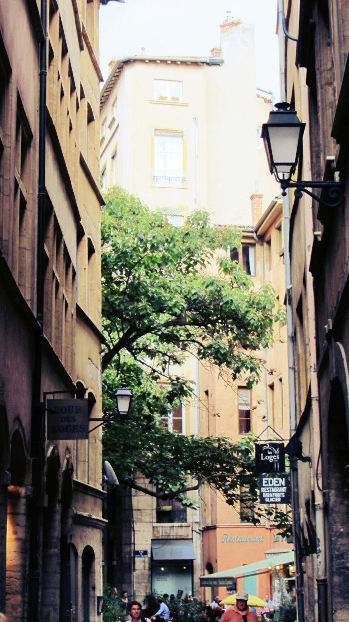 Lyon- get lost with me!  More on: www.kokopelia.pl  #onlylyon #lyon #france  #french #architecture #travelblog #blog #blogger #kokopelia #erasmusn #vieuxlyon