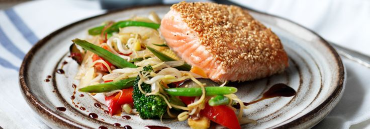 Hemkop.se | Sesamstekt lax med ingefärsstekta grönsaker