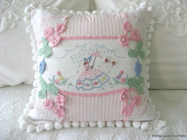 vintage southern bell stitchery on pillow                                                                                                                                                      Mais
