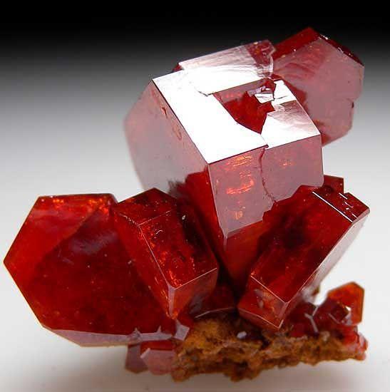 Vanadinite from Mibladen, Morocco [db_pics/pics/af555b.jpg]