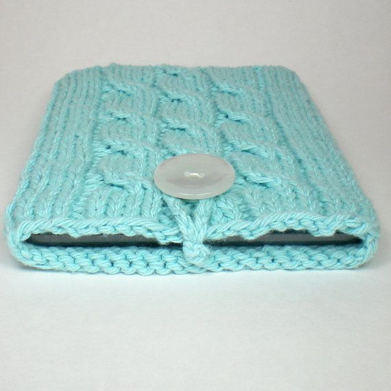 Nook Case- crochet.. I may try this over the winter:)