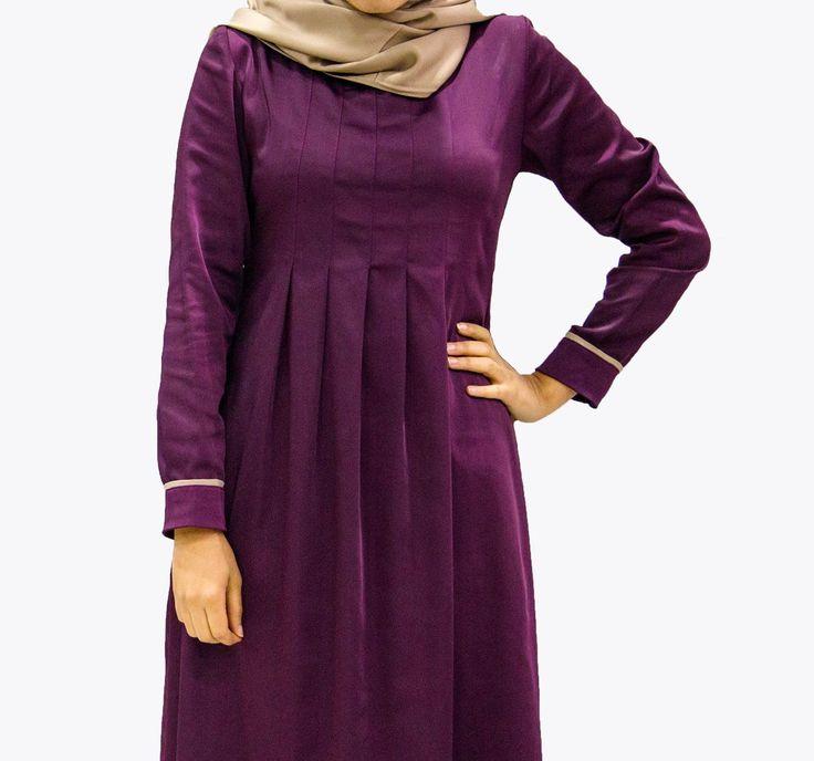 Très jolie robe légère et fluide Agréable à porter au quotidien Coloris : Violet; Jaune; Noir Taille : S à XXL Matière : 35% Polyester; 60% Viscose; 5% Élasthanne
