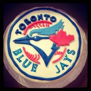 Steps to making a 'Toronto Blue Jays' Cake