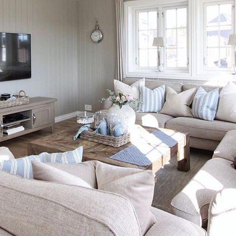 Credit: @bma.interior.blogg ✨  #norge #nordisk #norway #nordiskdesign #design #interior #interiør #inspirasjon #inspo #relax #light #home #hjem #instahome #instahjem #repost #stil #stilrent #living #life #kos #koselig #stue #livingroomdecor #livingroomdesign #livingroomideas #livingroom