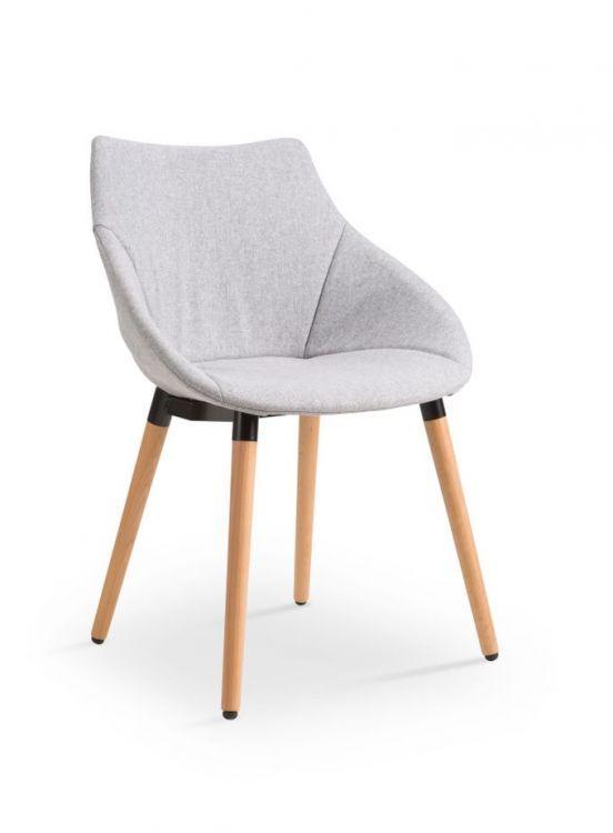 Krzesło K226 posiada bardzo ciekawy kształt. Podstawa krzesła wykonana z litego drewna wraz z tkaniną w kolorze jasny szary tworzy idealne krzesło do mieszkań w stylu skandynawskim stawiającym na jasne kolory, prostotę i naturalność. https://mirat.eu/krzesla-drewniane,c128.html
