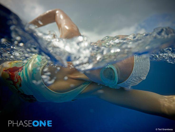 ¿Nadamos? Espectacular fotografía de Ted Grambeau con #PhaseOne