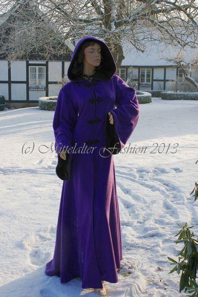 Lange Mäntel - *Fleece*Mantel*Mittelalter*Gothic*Hochzeit*Braut* - ein Designerstück von mittelalter-fashion bei DaWanda