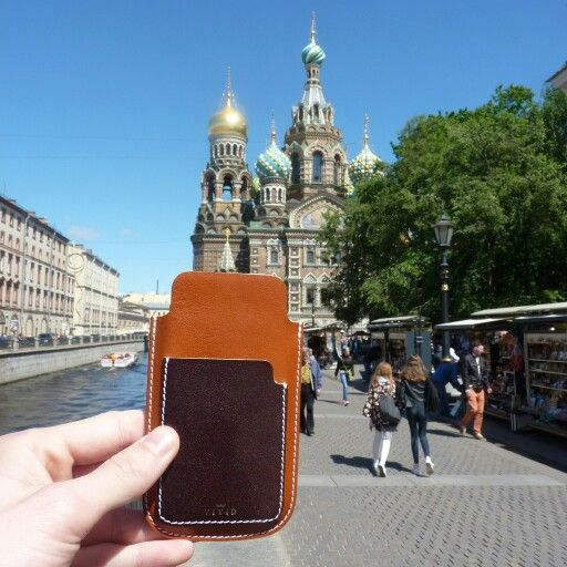 Our second stop in #sanktpetersburg -> etsy.me/1Fjvzpl <- Beautiful place and beautiful weather. Escape the ordinary. #bevivid #leathercase #russia #iphonecase #iphone5