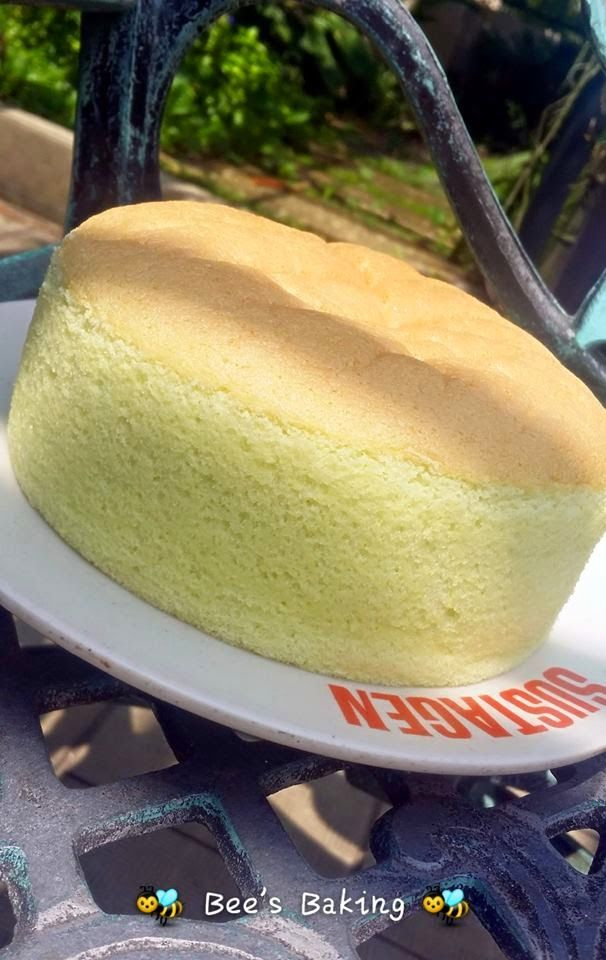 EASY SPONGE CAKE RECIPE // 3 eggs, 1/8 t cream of tartar, 55g sugar, 65g cake flour, 20 ml oil or butter, 30 ml milk