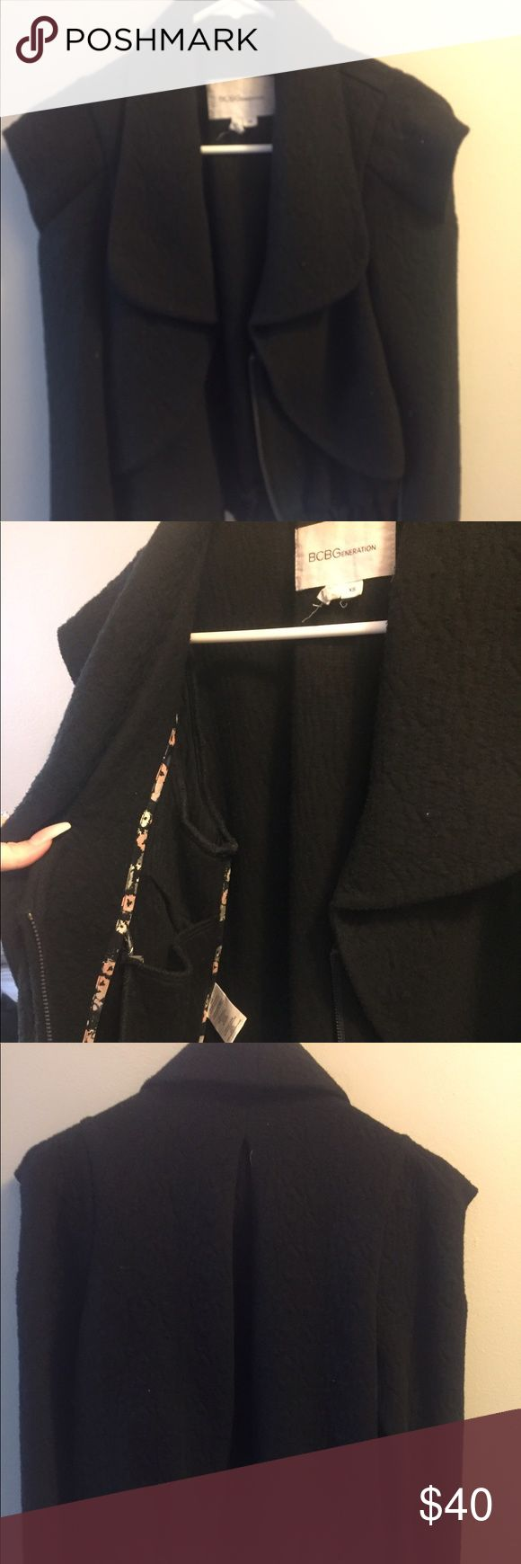 BCBGeneration black jacket Structured, pointer shoulders, comfortable ! Xs, worn like a small, BCBGeneration Jackets & Coats