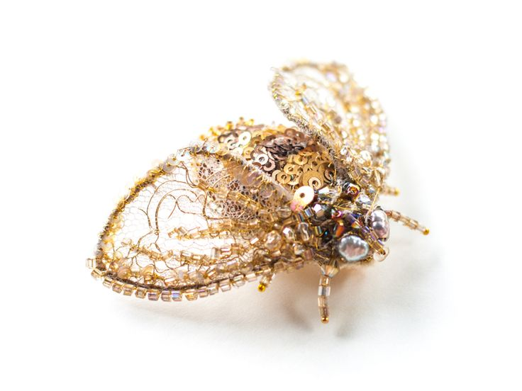 Embroidered Brooch Blanca by Eve Anders. Goldwork and Beadwork