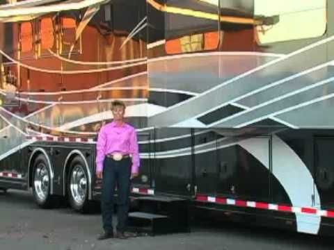 This is a HORSE trailer??!! WOW!  Do you think they will take a check?  Oh My! what to buy to pull it!