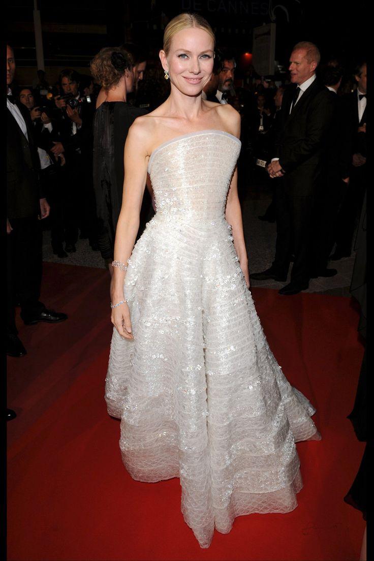 los looks de alfombra roja de Naomi Watts: première de Fair Game (2010) en el Festival de Cine de Cannes