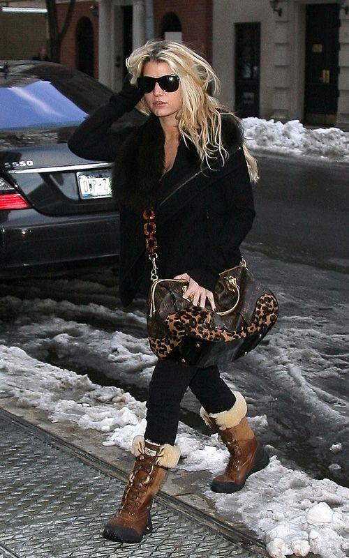 Jessica Simpson Out in New York December 22 2009   jessica