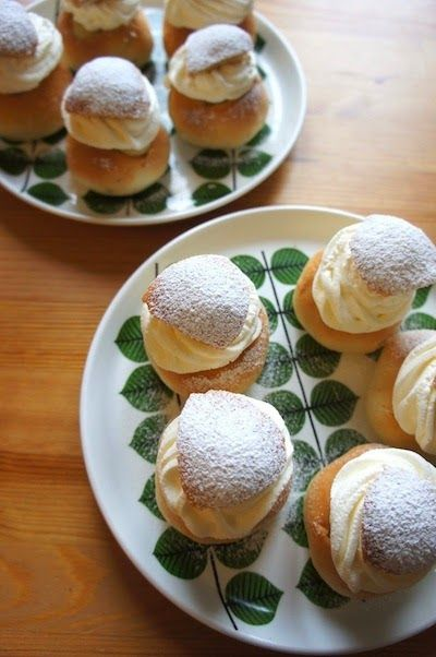 スウェーデンで夫婦二人暮らし。北欧食器、雑貨、インテリア、料理、洋裁のことなどを綴っています。