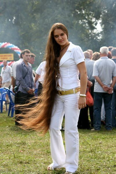 Rapunzel Girl With Knee Length Hair Pictures Of Girls