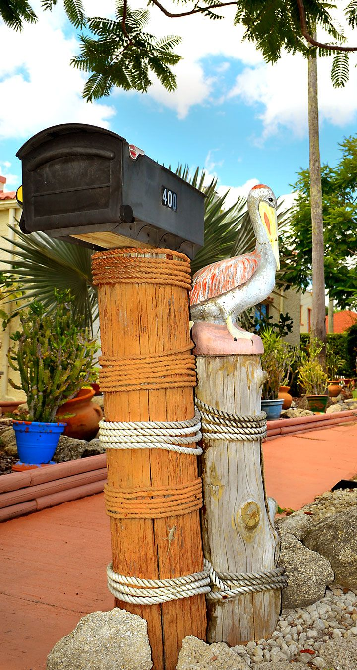 Florida: where kitsch was born! Starting with our mailboxes... - Beaches Bars and Bungalows travel blog