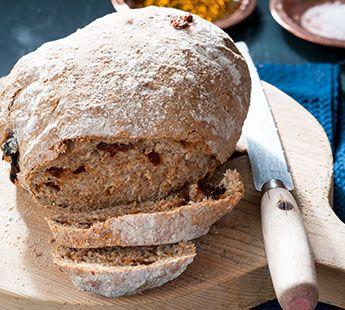 Zongedroogde-tomaten brood - Recept - Jumbo Supermarkten